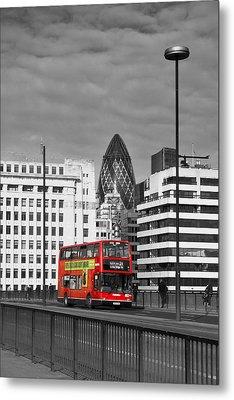 The No 43 To London Bridge Metal Print by Hazy Apple