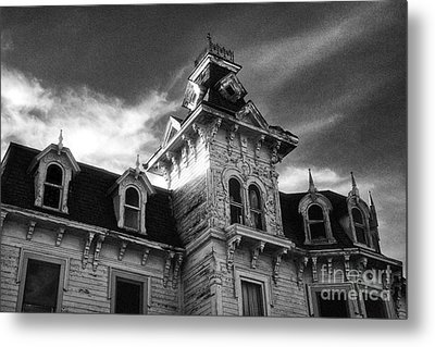 The Old Haunted Bruce Mansion Metal Print by Jeff Holbrook