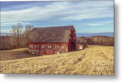 The Old Red Barn In Winter Metal Print by Edward Fielding