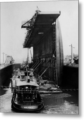 The Panama Canal, A U.s. Navy Floating Metal Print
