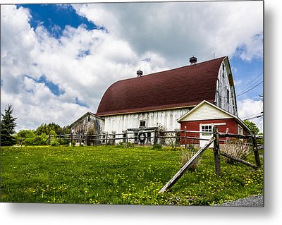 Metal Print featuring the photograph The Red And White Barn by Paula Porterfield-Izzo
