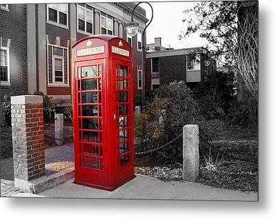 The Red Phonebooth Metal Print by Lois Lepisto
