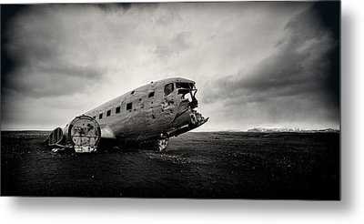 The Solheimsandur Plane Wreck Metal Print by Tor-Ivar Naess