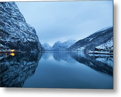 The Stillness Of The Sea Metal Print by David Chandler