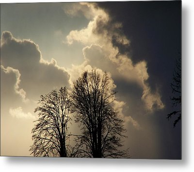 The Storm Iv Metal Print by Laurie Kidd