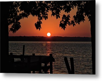 Metal Print featuring the photograph The Sun Rises Over The Bay by Mark Dodd
