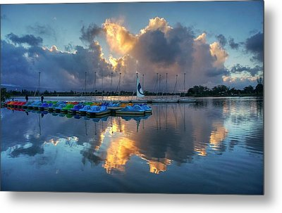 Metal Print featuring the photograph The Sun Settles At The Shoreline by Peter Thoeny