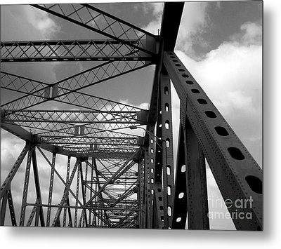 The Tz Metal Print by Kenneth Hess