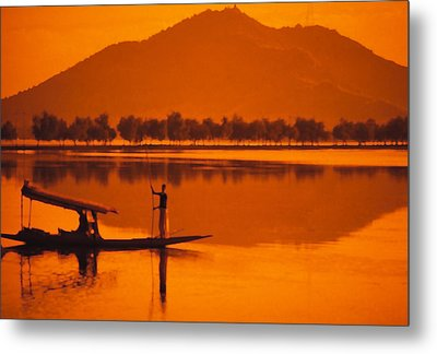 The Vale Of Kasmir Metal Print by Carl Purcell