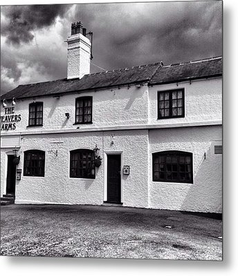 The Weavers Arms, Fillongley Metal Print by John Edwards