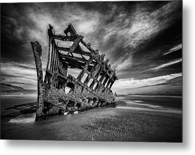 The Wreck Of The Peter Iredale Metal Print