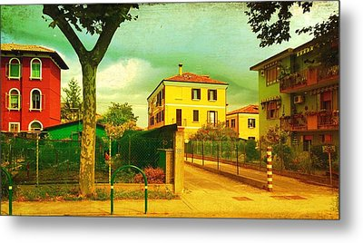 Metal Print featuring the photograph The Yellow House by Anne Kotan