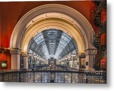 Through The Archway Metal Print by Evelina Kremsdorf