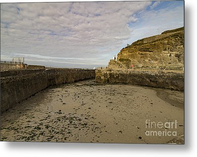 Metal Print featuring the photograph Tide Out Portreath by Brian Roscorla