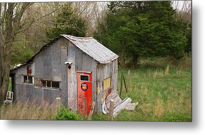 Tin Phillips 66 Shed Metal Print by Grant Groberg