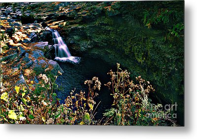 Metal Print featuring the photograph Water Falls by Raymond Earley
