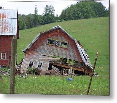 Tired Old Barn  Washington State Metal Print by Laurie Kidd