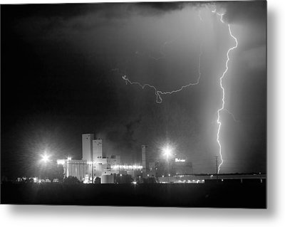 To The Right Budweiser Lightning Strike Bw Metal Print by James BO  Insogna