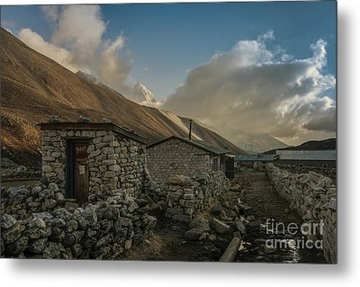Metal Print featuring the photograph Toilet by Mike Reid