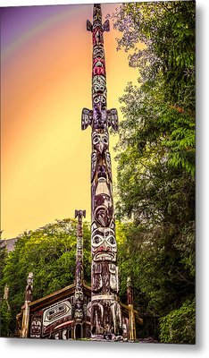 Totem Pole Metal Print by Robin Williams