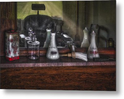 Traditional Barber Shop Metal Print by Susan Candelario