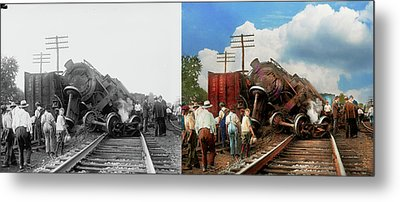 Metal Print featuring the photograph Train - Accident - Butting Heads 1922 - Side By Side by Mike Savad