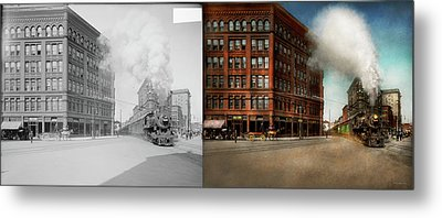 Metal Print featuring the photograph Train - Respect The Train 1905 - Side By Side by Mike Savad