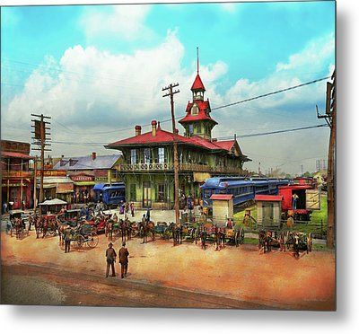 Train Station - Louisville And Nashville Railroad 1905 Metal Print by Mike Savad