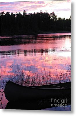 Tranquil Canoe In Sunset Metal Print