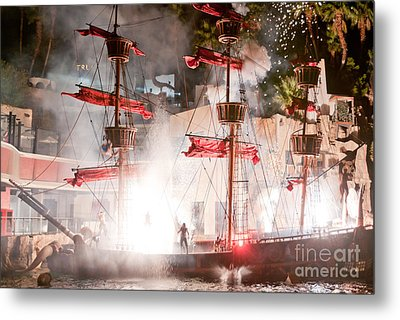 Treasure Island Flashes Metal Print by Andy Smy