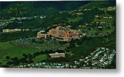 Tripler Army Medical Center Honolulu Metal Print by Craig Wood