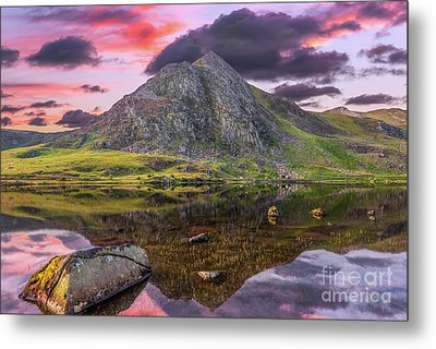 Metal Print featuring the photograph Tryfan Mountain Sunset by Adrian Evans