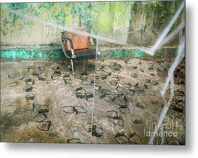 Metal Print featuring the photograph Twenty Twenty by Dean Harte