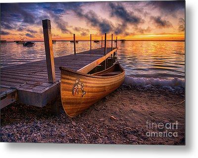Twilight Canoe Metal Print by Ian McGregor
