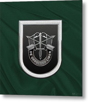 U. S.  Army 5th Special Forces Group - 5 S F G  Beret Flash Over Green Beret Felt Metal Print by Serge Averbukh