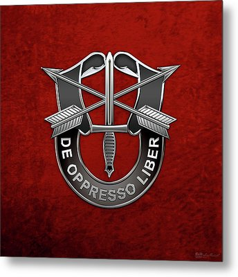U. S.  Army Special Forces  -  Green Berets D U I Over Red Velvet Metal Print by Serge Averbukh