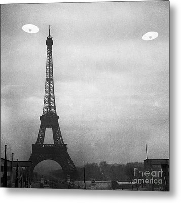 Ufo: Paris Metal Print by Granger