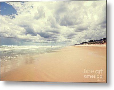 Metal Print featuring the photograph Under A Southern Sky by Linda Lees