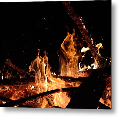 Under The Sparks Metal Print by Janet Rockburn