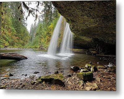 Under Upper Butte Creek Falls In Autumn Metal Print by David Gn