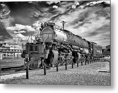 Metal Print featuring the photograph Union Pacific 4-8-8-4 Big Boy by Paul W Faust - Impressions of Light
