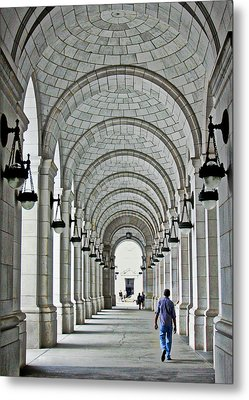 Metal Print featuring the photograph Union Station Exterior Archway by Suzanne Stout