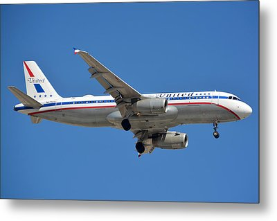 United Airlines Airbus A320 Friend Ship N475ua Sky Harbor March 24 2015 Metal Print by Brian Lockett