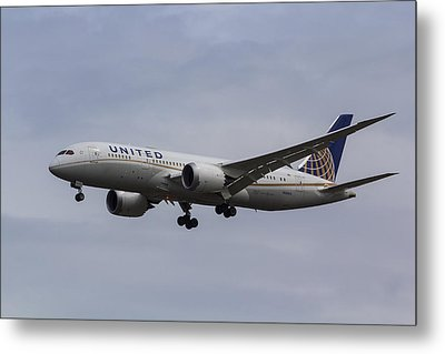 United Airlines Boeing 787 Metal Print