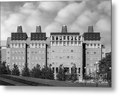 University Of Cincinnati Engineering Research Center Metal Print by University Icons