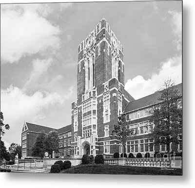 University Of Tennessee Ayres Hall Horizontal Metal Print by University Icons