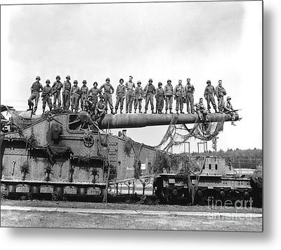 U.s. Army Soldiers Stand On Top Metal Print by Stocktrek Images
