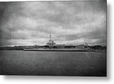 Metal Print featuring the photograph Uss Yorktown by Sandy Keeton
