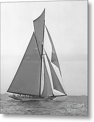 Valkyrie IIi At 2nd Mark Of 2nd Americas Cup Race 1895 Metal Print by Padre Art