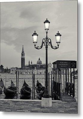 Venetian Streetlamp Metal Print by Richard Goodrich